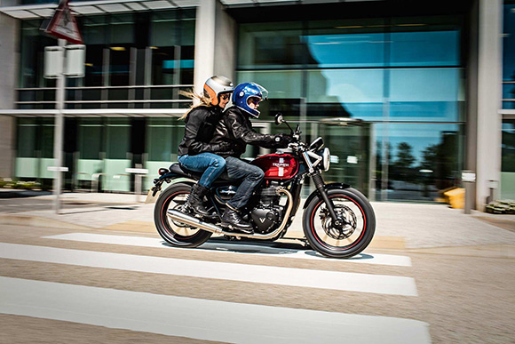 2018 Triumph Street Twin Modern Classics Bike Review Specs