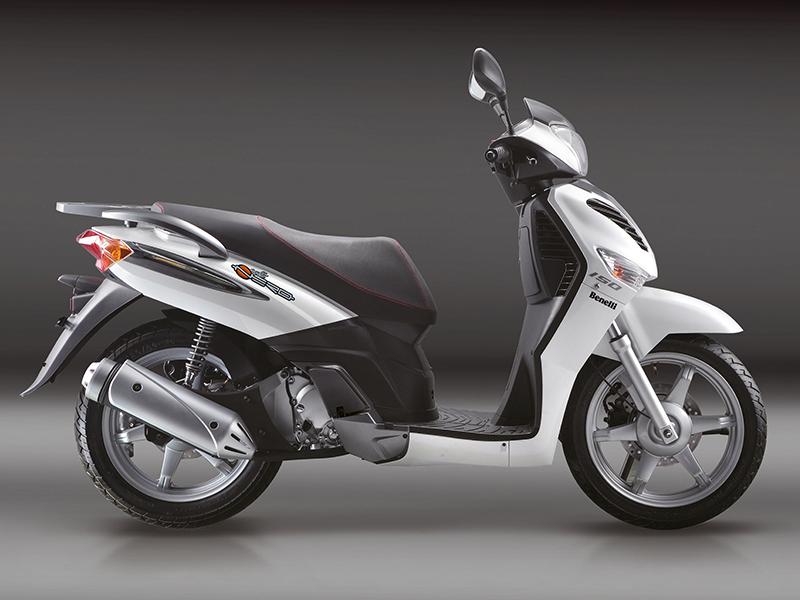 Benelli 2018 Caffenero 150 Scooter
