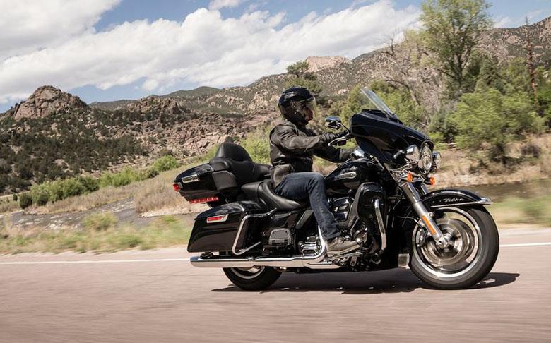 Electra Glide Ultra Classic 2019 Harley-Davidson Touring Bike Ride