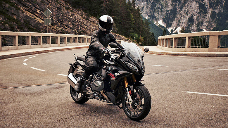BMW 2019 R 1250 RS Powerful Sports Bike Review Price Specs