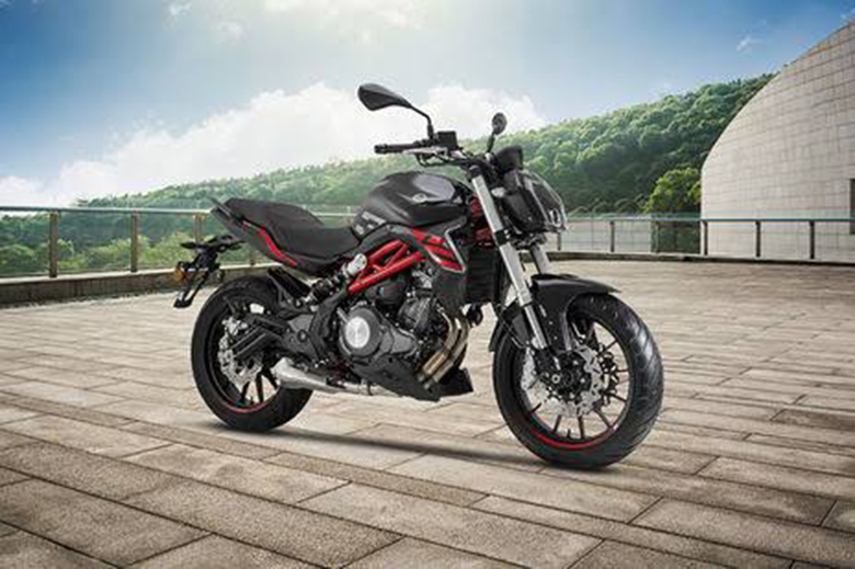 2019 Benelli 302 S Naked Sports Bike Review