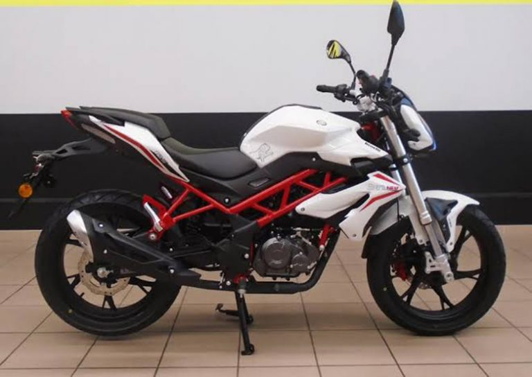 Benelli BN 125 | Moto | Naked - Andar de Moto