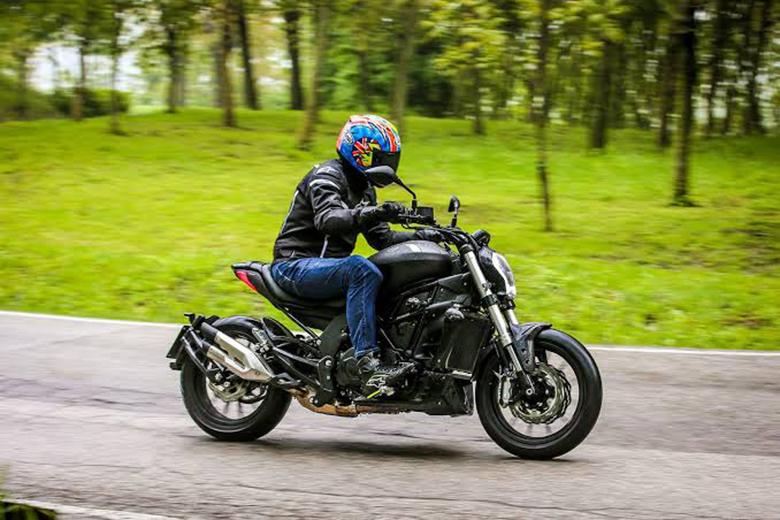 Benelli 2019 502 C Naked Bike