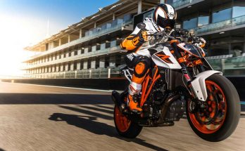 2018 KTM 1290 Super Duke R Powerful Naked Bike
