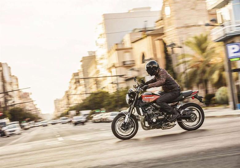Kawasaki 2018 Z900RS SE Heavy Motorcycle