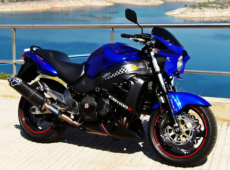 Honda X11 cb1100 naked muscle bike not blackbird | in