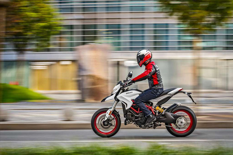 Hypermotard 939 2018 Ducati Naked Motorcycle Review Price