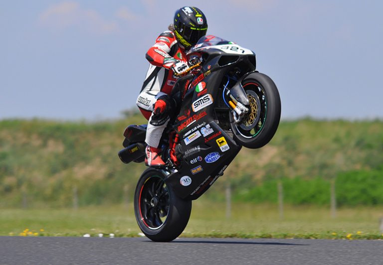 Top Ten Cheap Motorcycles for Wheelie