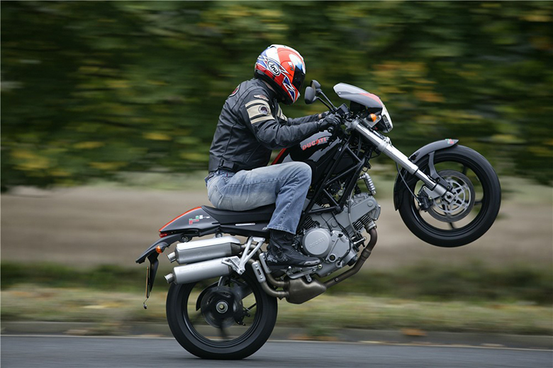 Top Ten Cheap Motorcycles for Wheelie