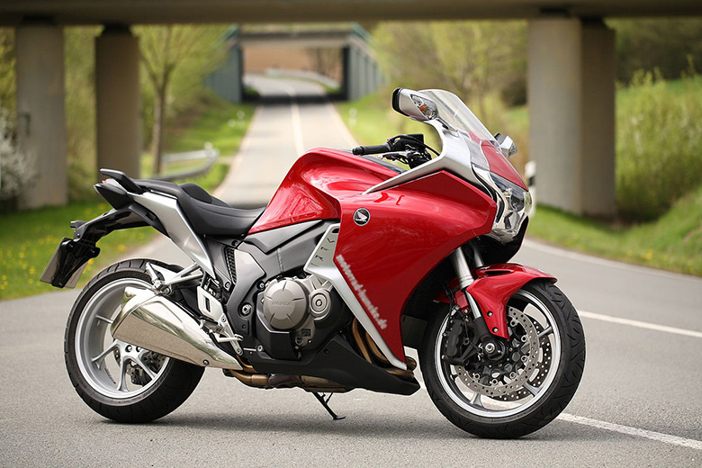Top Ten Best Rated Sports Tourers on Bikes Catalog