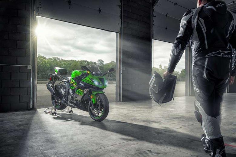 Kawasaki 2018 Ninja ZX-6R ABS KRT Sports Motorcycle Review Price Specs