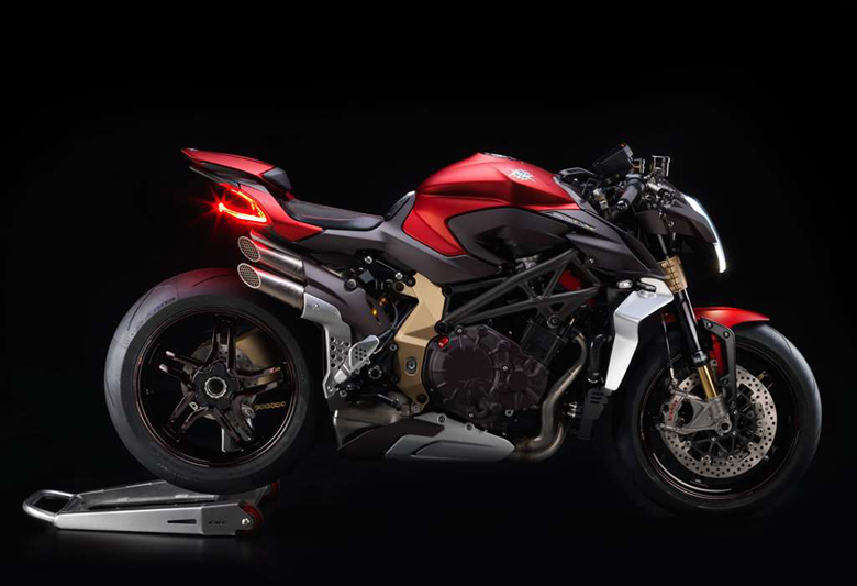 MV Agusta 2019 Brutale 1000 Serie Oro Naked Bike Review