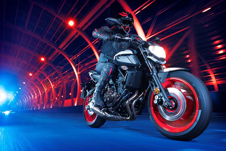 MT-09 Yamaha 2018 Naked Sports Bike Review Price Specs