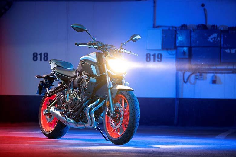 2019 MT-07 Yamaha Hyper Naked Motorcycle Comfort - Bikes