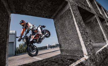 KTM 2019 690 SMC R Super Moto
