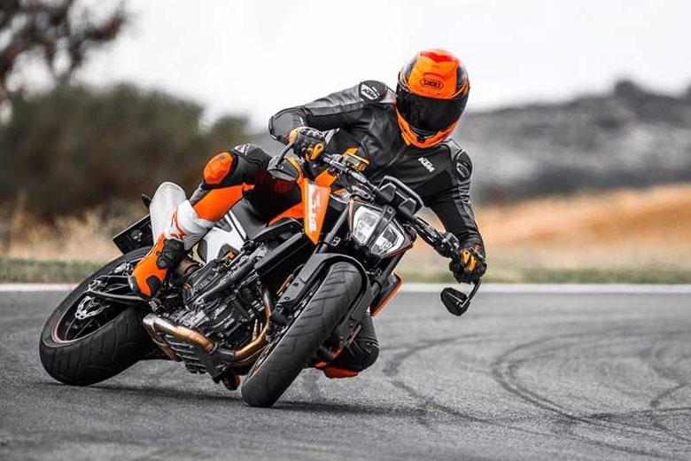 2018 KTM 690 Duke Naked Motorcycle Review Specs   Bikes Catalog