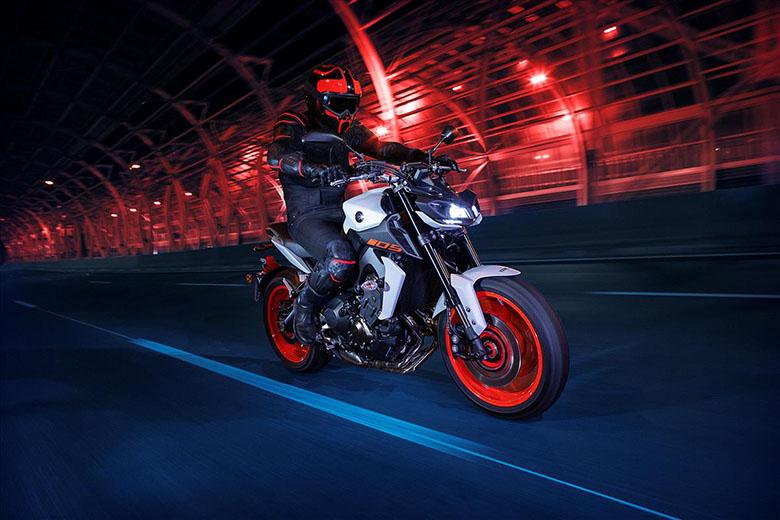 MT-09 2019 Yamaha Hyper Naked Bike Rear View - Bikes Catalog