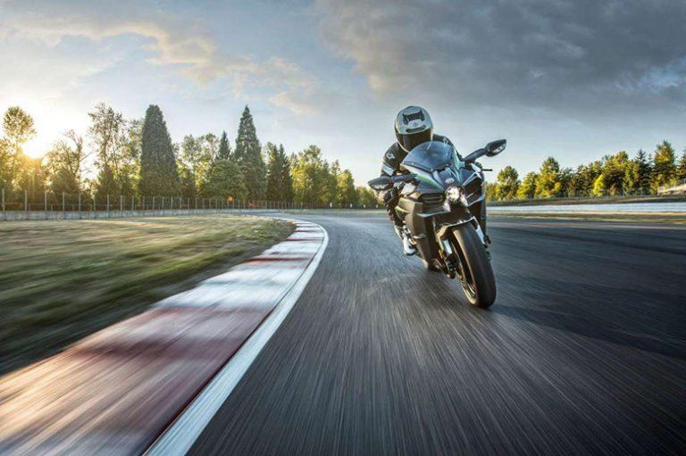 2018 Kawasaki Ninja H2 Carbon Sports Bike Review Specs Price