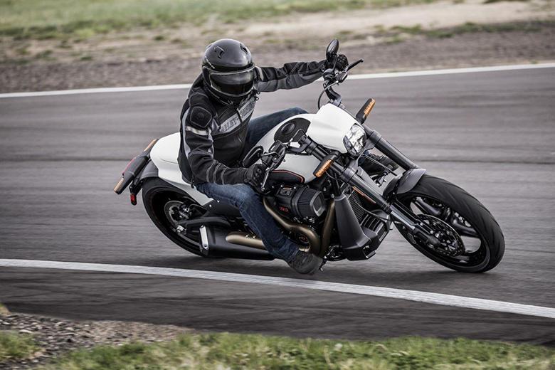 2020 FXDR 114 Harley-Davidson Cruisers