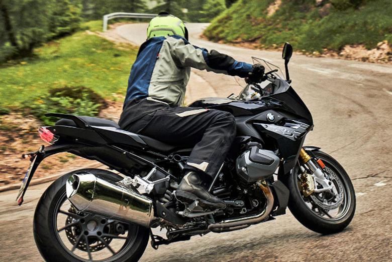 2020 R 1250 RS BMW Powerful Bike Review Price Specs