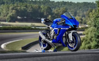 2020 YZF-R1 Yamaha Super Sports Motorcycle