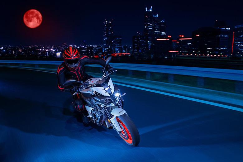 MT-10 2020 Yamaha Powerful Naked Motorcycle