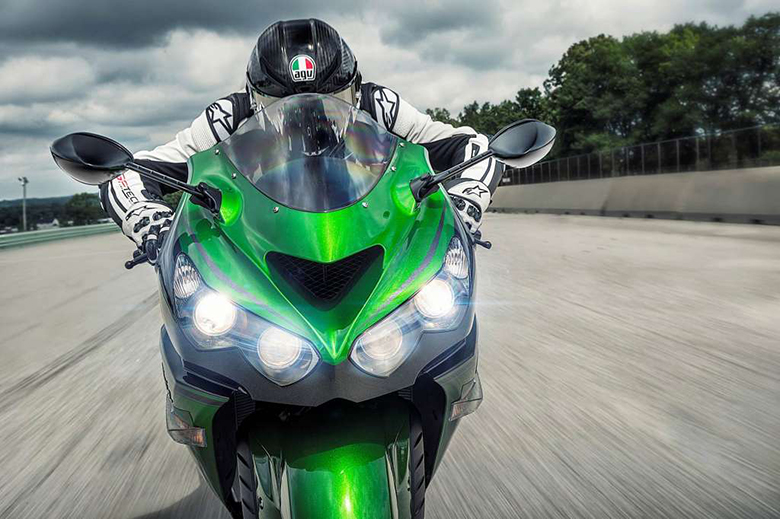 Ninja ZX-14R ABS 2018 Kawasaki Powerful Heavy Bike Review