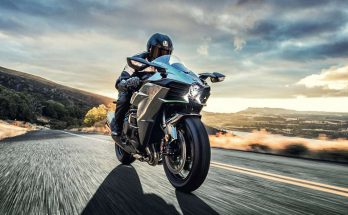 2018 Kawasaki Ninja H2 Powerful Hyper Naked Bike