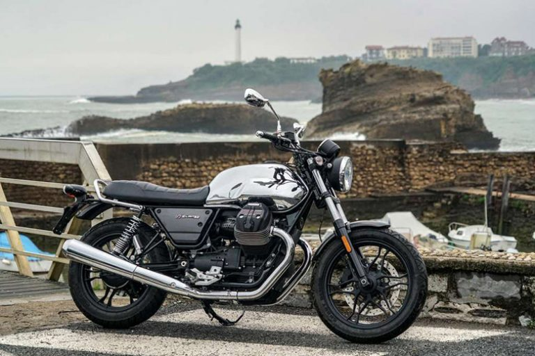 Moto Guzzi 2019 V7 III Carbon Shine Limited Edition Bike Review
