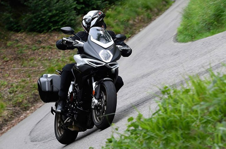 Turismo Veloce 800 Lusso 2019 MV Agusta Naked Motorcycle Review