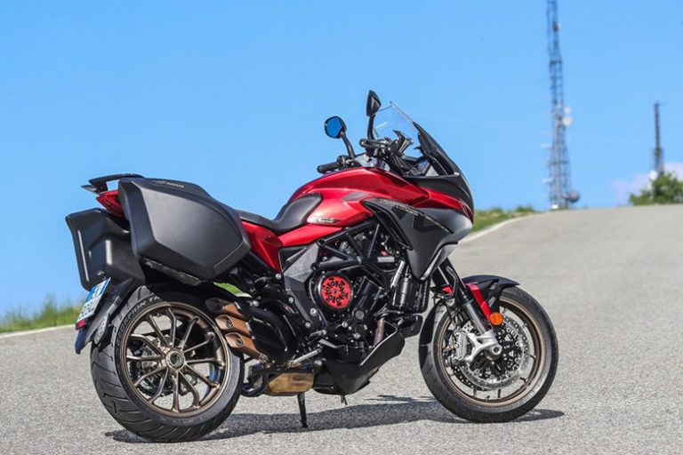 MV Agusta 2019 Turismo Veloce 800 Lusso SCS Naked Bike Review