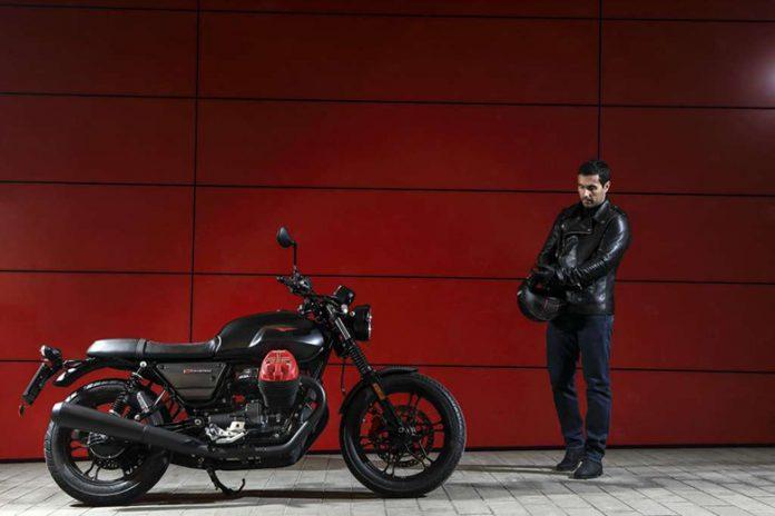 2019 Moto Guzzi V7 III Carbon Dark Heritage Motorcycle