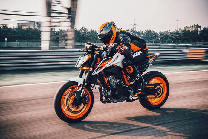 KTM 2020 890 Duke R Naked Bike